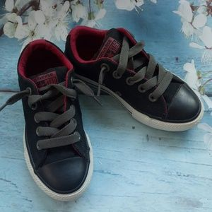Converse Boy US 11 Black Lace-Up Sneakers